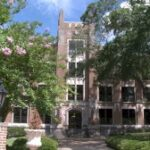 college-of-north-alabama-adding-contactless-student-ids-on-apple-devices