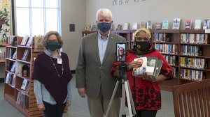 florence-native-donates-books-on-black-history-to-florence-lauderdale-public-library